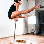 LIKES for our amazing lady @lesya_ru21 with PRO TRIPLE COLLAPSIBLE CANES She's a professional acrobat athlete and that's what she likes about the canes: 🔹the blocks with comfortable grip - they have a special cutout 🔹the cutout in the base - have you ever seen 'leaky' canes? 😅 And they look really cool! 🔹tapers - it's such a pleasure to put the posts in the base! No need to screw smth 🔹three posts is a real advantage! So we can combine the tricks and make flaws 🔹just the combination of wood and metalThat was a beginning of their long-term friendship 😍 #parallettes #calistenics #balance #circus #equipment #acro #yoga #handstand #planche #contortion #calisthenicstools #canes