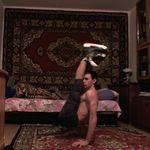 Press to handstand in ice skates😱😱😱 The magic of Russian carpets 😂#handstand #canes #circuslife #calisthenics #cirque #circus #calisthenia #yoga #online #discount #handbalance #balance #acro #equilibre #planche #fail #gymnasticfails #gymlife #gymrat #gymtime #gymmotivation #gymnastics #gymflow #edgymemes #gymshark #gymaddict #gymgirl #work #instafitness #discipline